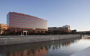 Nh hoteles nuevo establecimiento en madrid r o meet in for Hoteles minimalistas en espana