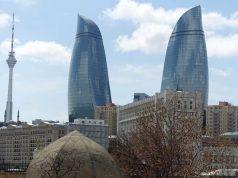 Baku. Ciudad Vieja y Flame Towers