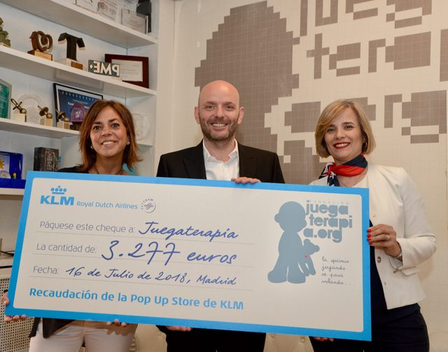 KLM colabora con Juegaterapia