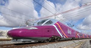 Renfe cancela AVE low cost AVLO