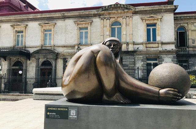 Escultura de Jorge Jimenez Deredia
