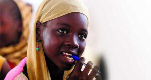 Qatar Airways recauda niños Educate a Child