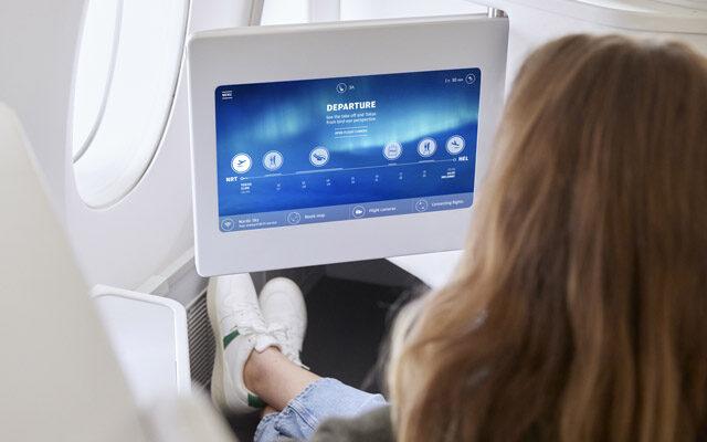 Finnair_A350_business_class_girl